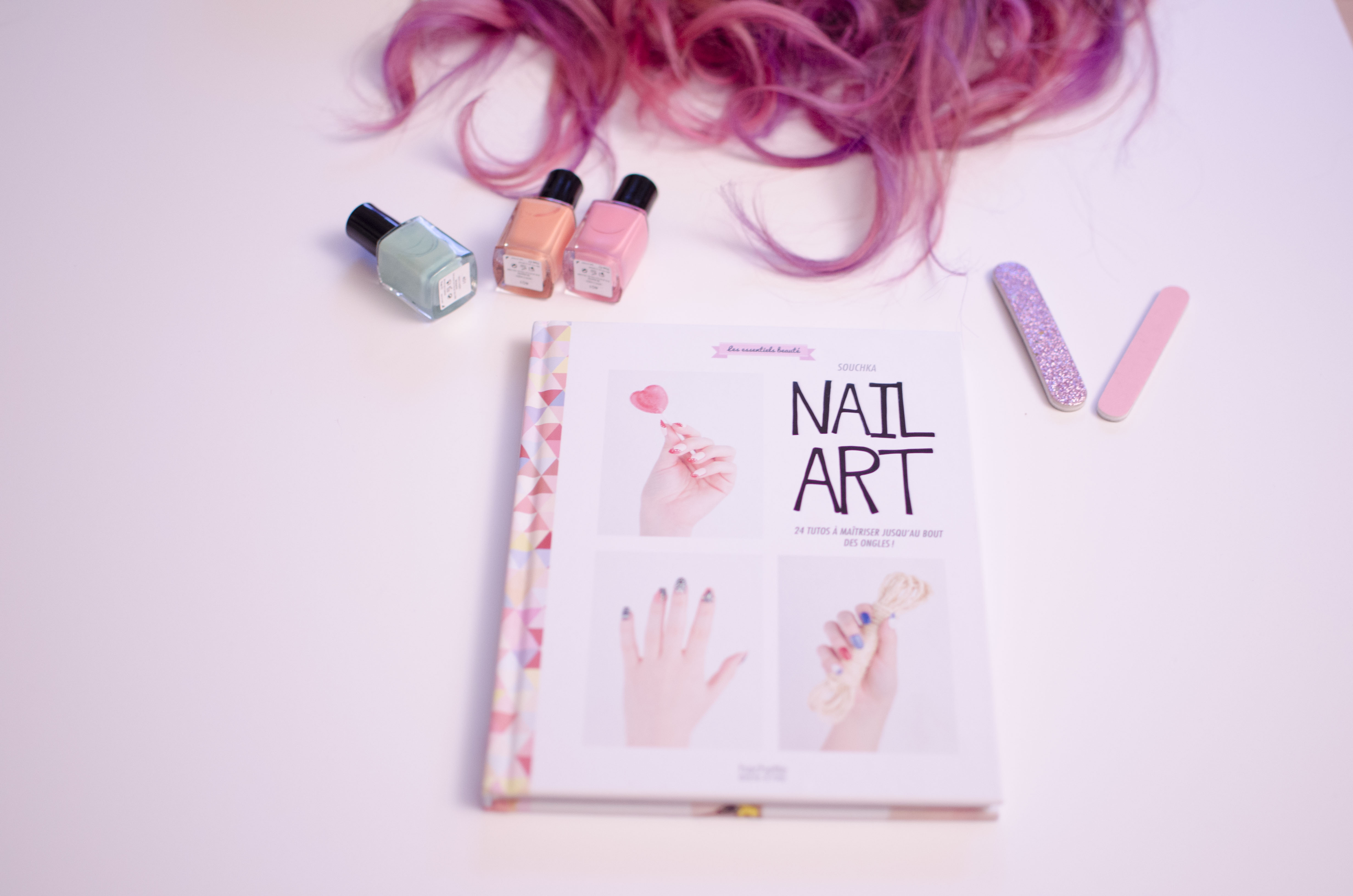 nail art pink hair souchka
