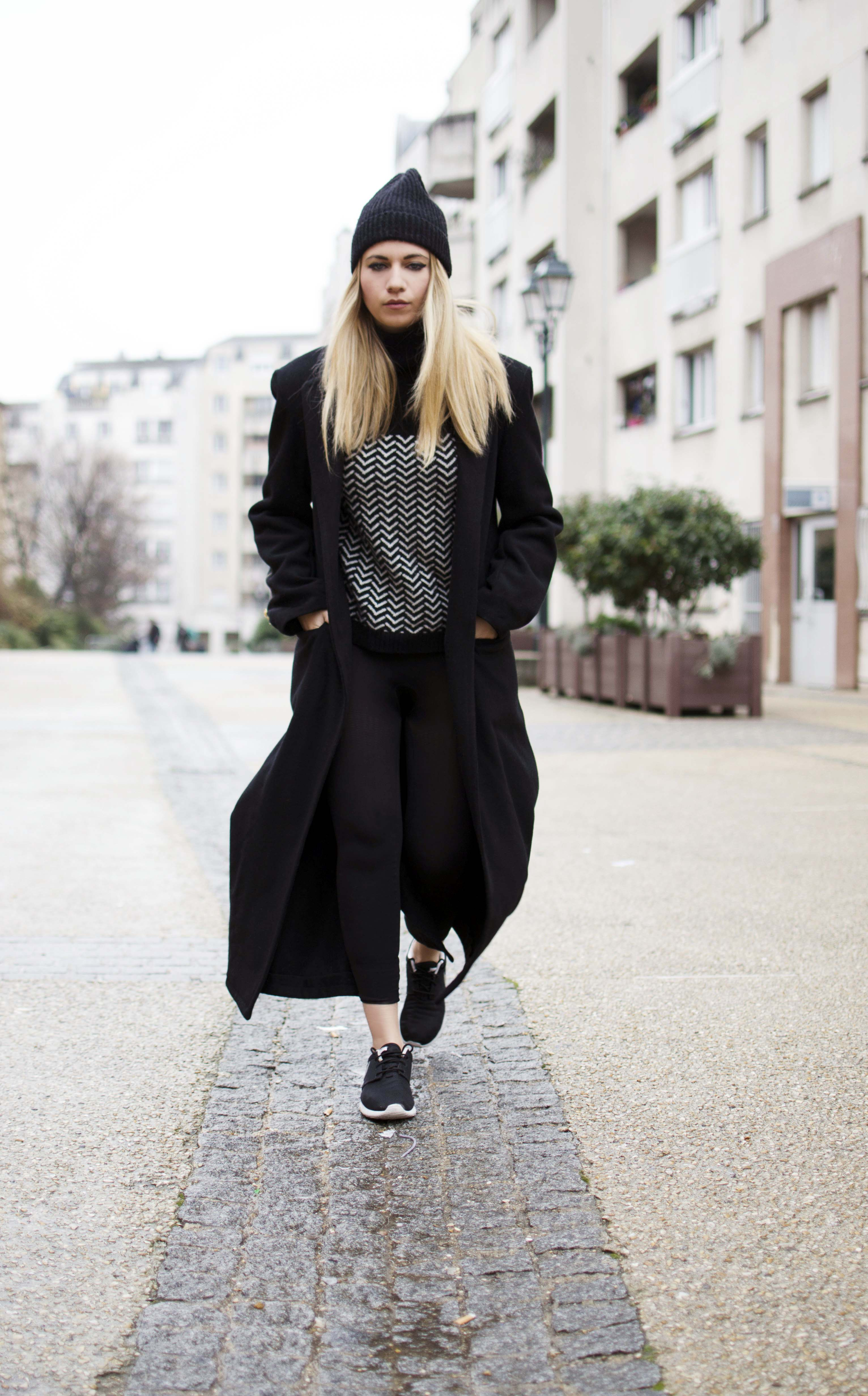 ootd blond ebonnet long manteau